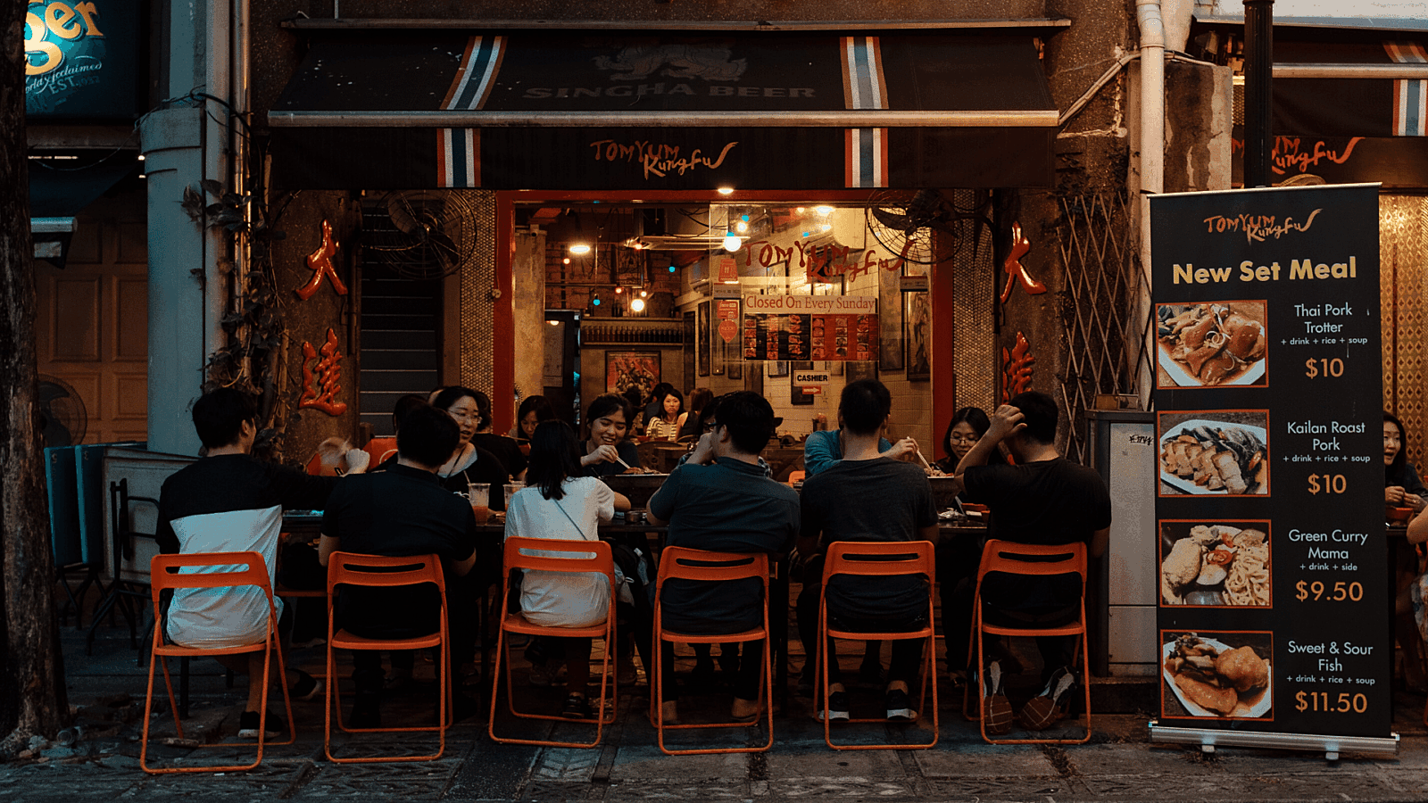 Restaurant budget diners on patio