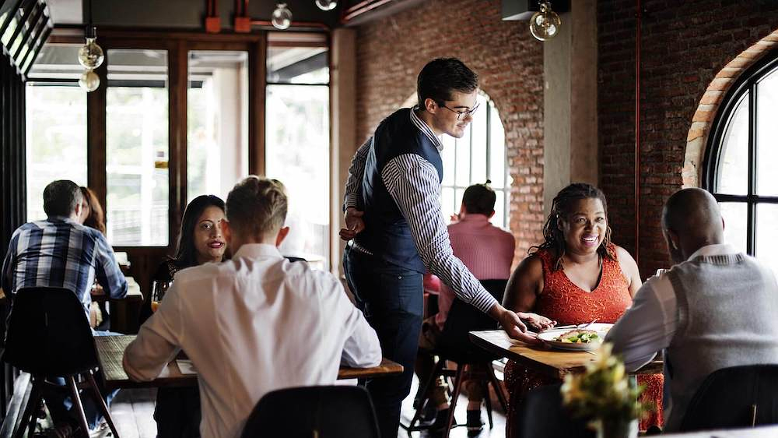 How to Become A Restaurant Manager - On the Line | Toast POS