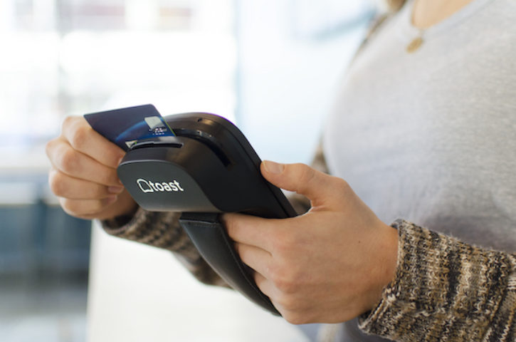3 Perks of Integrated Credit Card Processing for Restaurants