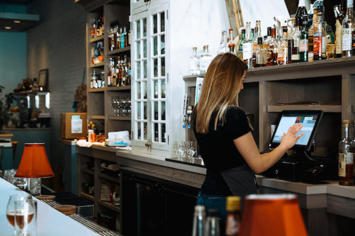 How Do Restaurant Credit Card Transactions Work A Guide to the Payment Process
