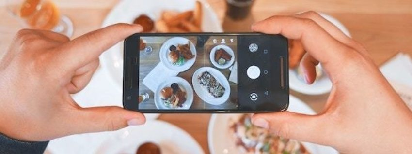 10 Examples of Awesome Restaurant Social Media Marketing