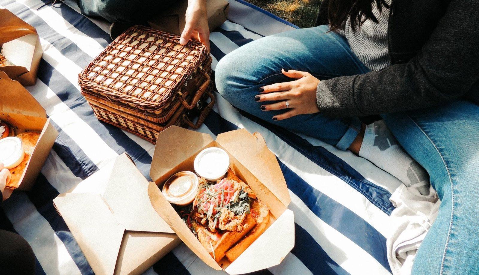 Online ordering picnic