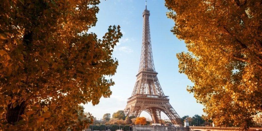 Seine In Paris With Eiffel Tower In Autumn Time 816510 Edited